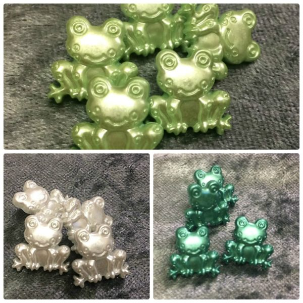 Frogs Novelty Buttons - 18mm - Wholesale Packs