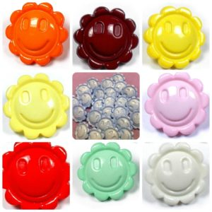 Smiley Flower 15mm Buttons - 6 Buttons - £1.25 - 15mm,