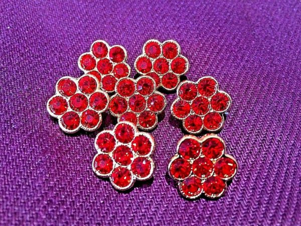 red flower shape dimante button