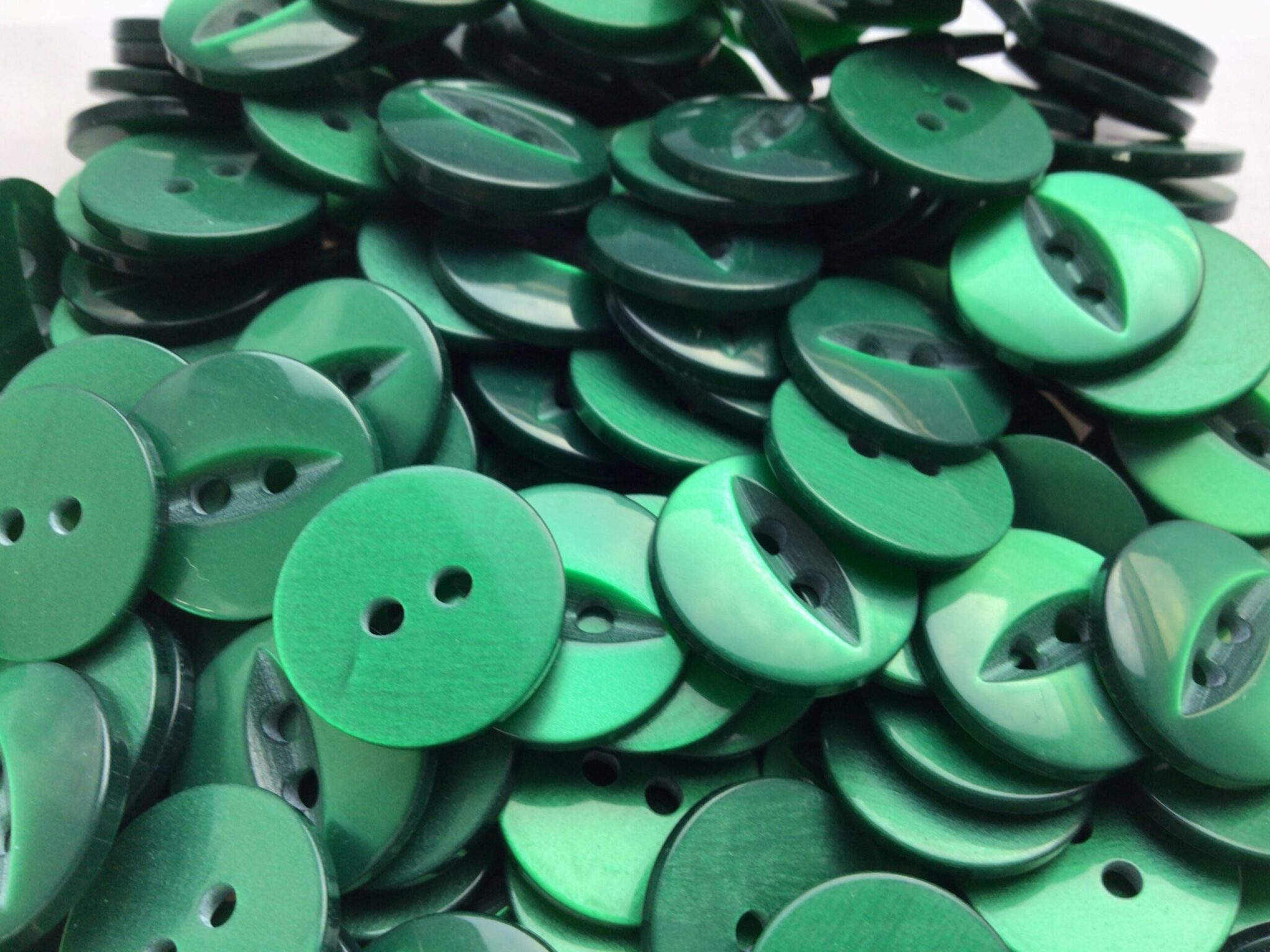bottle green round fish eye buttons for craft wholesale haberdashery